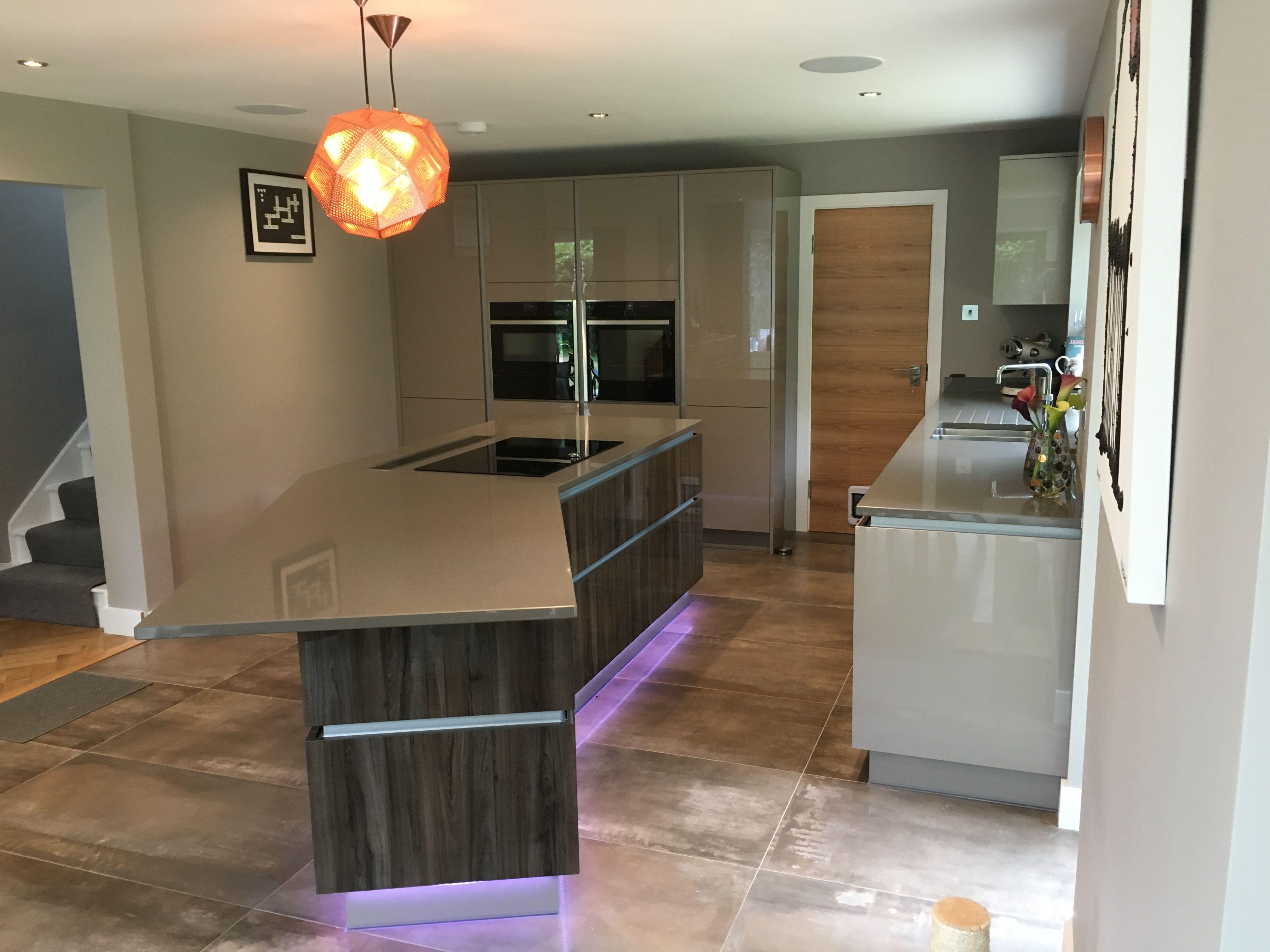 Kitchen Inspiration Handleless Lumina in Gloss Stone Grey with