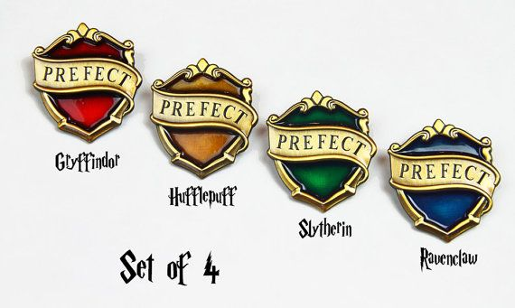 New Hogwarts Prefect Badges Set Of 4 Movie Pottermore Version Only At Kingscross Harry Potter Cosplay Harry Potter Costume Harry Potter Pin