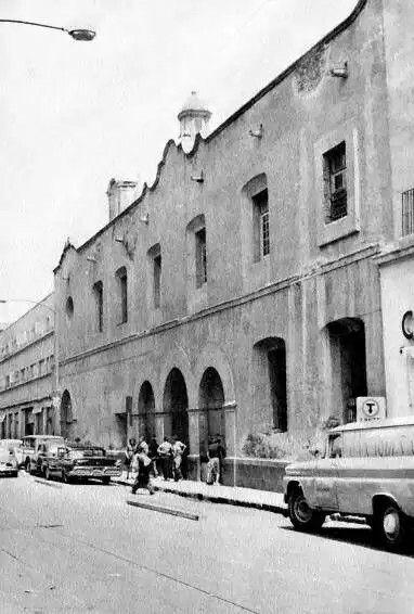 Antiguo claustro del convento de Nuestra Señora De la Merced años sesenta.