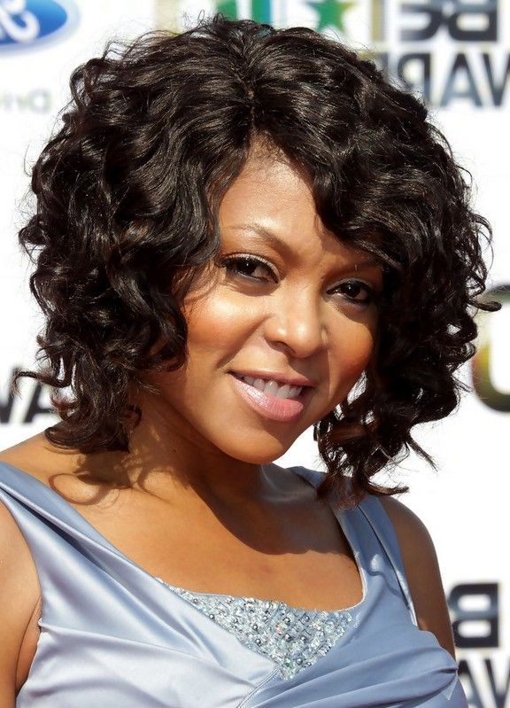 Taraji P Henson Curly Hairstyle For Medium Length Hair Jpg 576 799 Taraji P Henson Hairstyles Hair Images Curly Weave Hairstyles