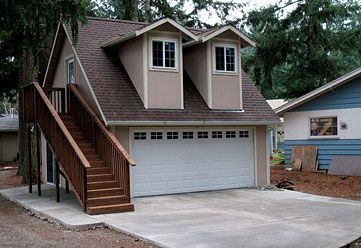 Garage with living quarters garage house plans garage for Garage kits with living quarters