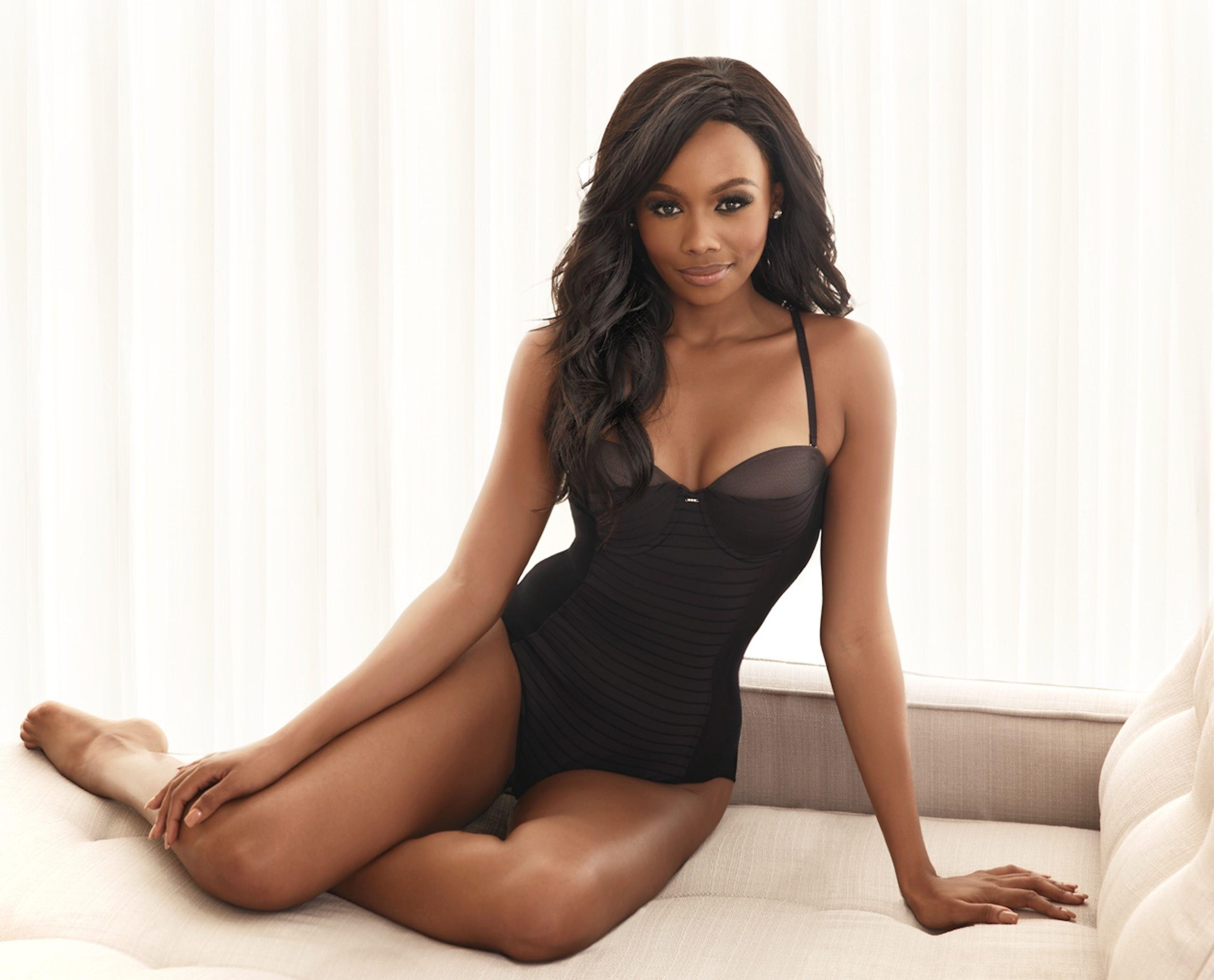Ebony girl in lingerie nadette stanis