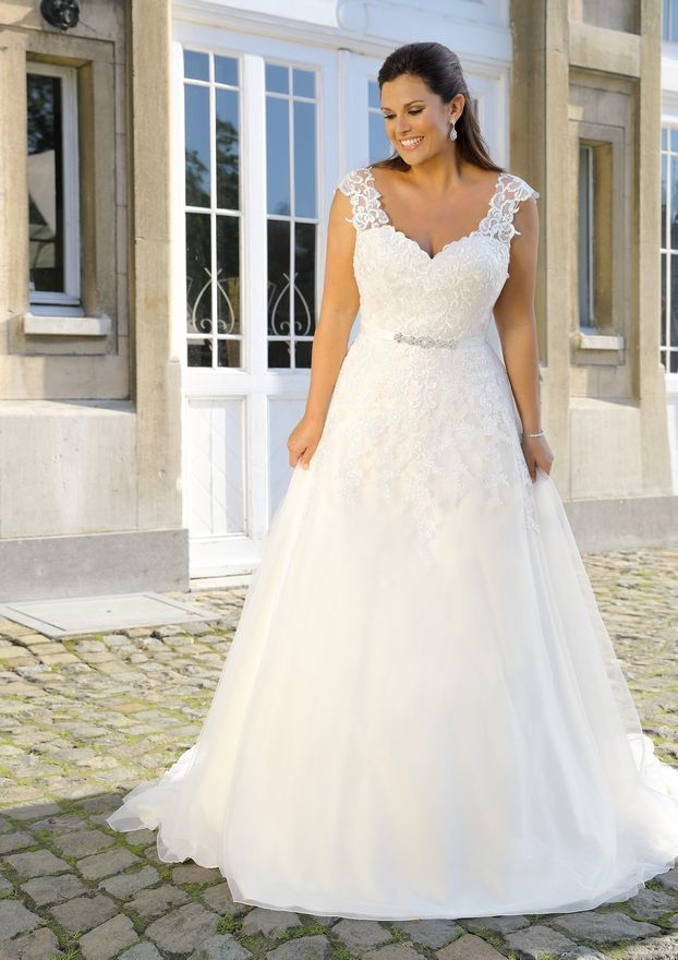 Bridal Gowns Xxl Bridal Gowns Xxl By Ladybird Bridal All About Plus Wedding Dresses Plus Size Wedding Gowns New Wedding Dresses