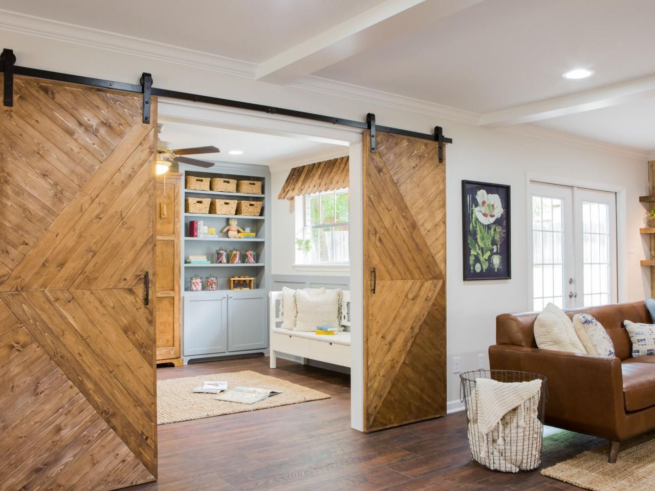 Now those are some barn doors. Modern and rustic. Nice ...