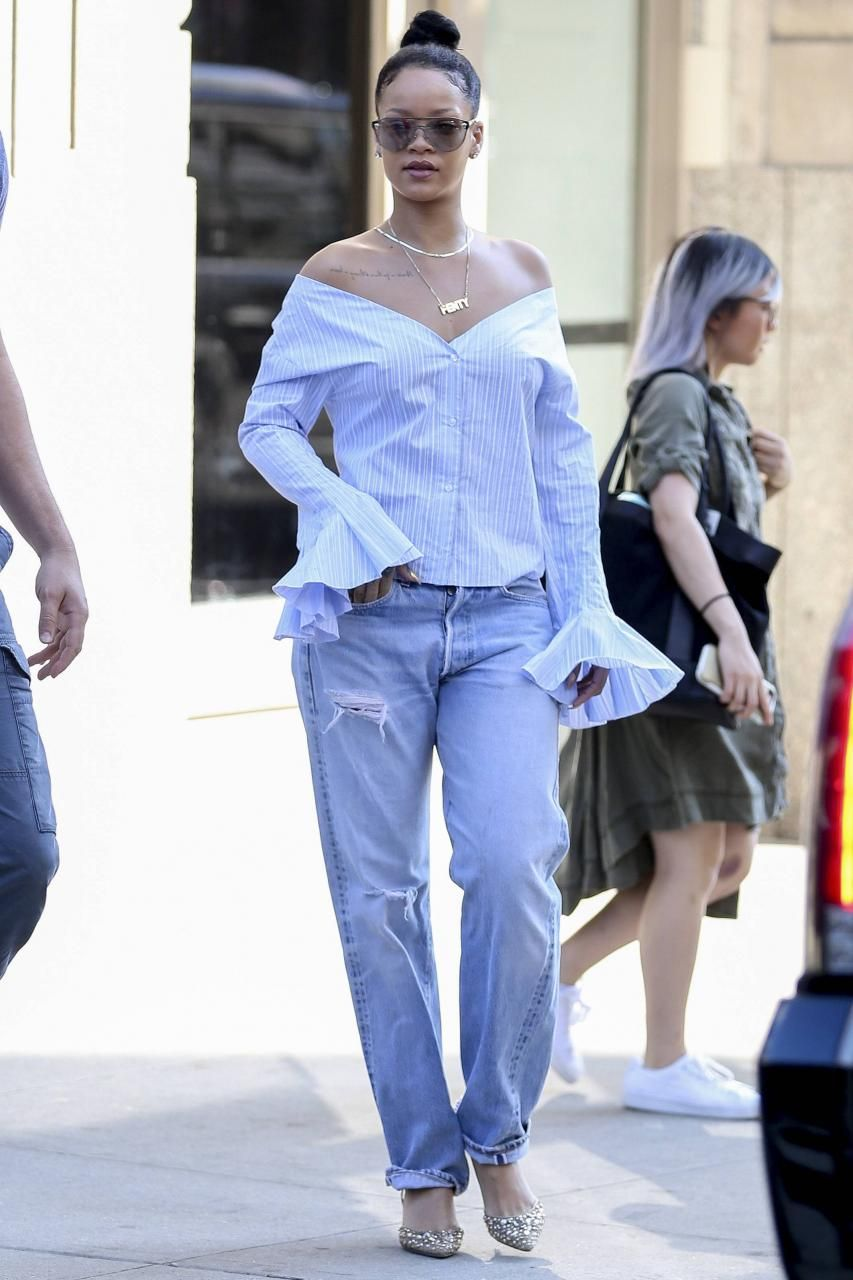 358e2d1d69 Rihanna wearing Versace Ve2161 Medusa Sunglasses