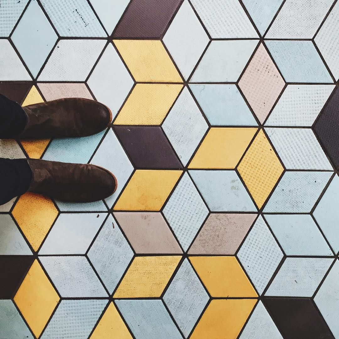 Yeah #ihavethisthingwithfloors. Admit it you do too. Especially mucky trippy optical illusion ones  // #lookdown #floortiles #tileaddiction by bearue