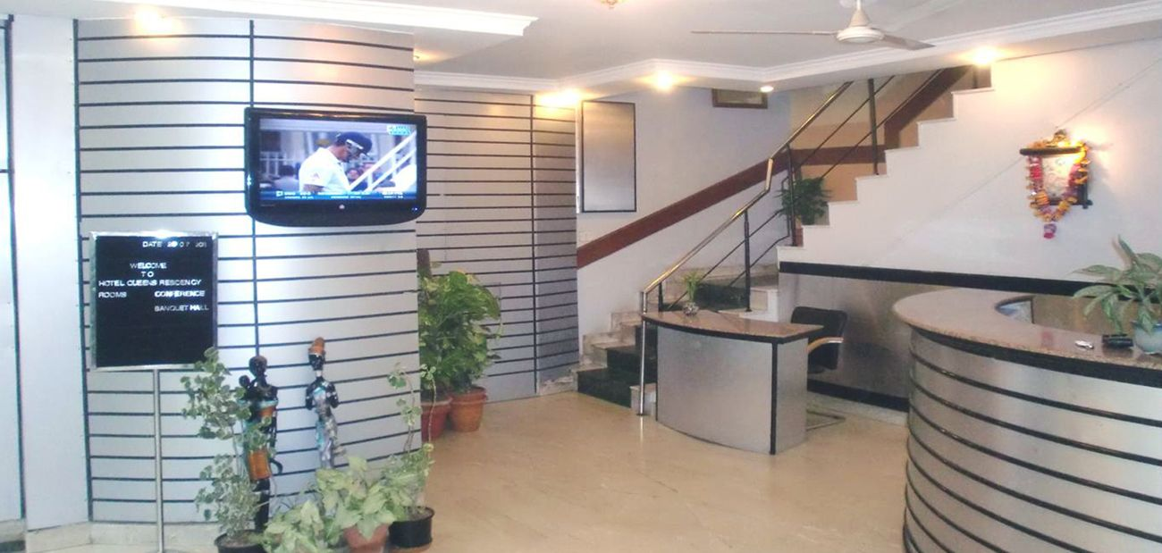 Get a Fully Furnished 12 BHK Guest House available for