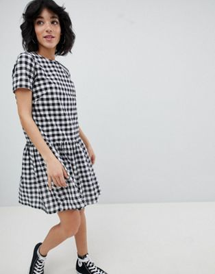 Gingham Dress With Cold Shoulder And Ruffle Hem - Pink/black Daisy Street