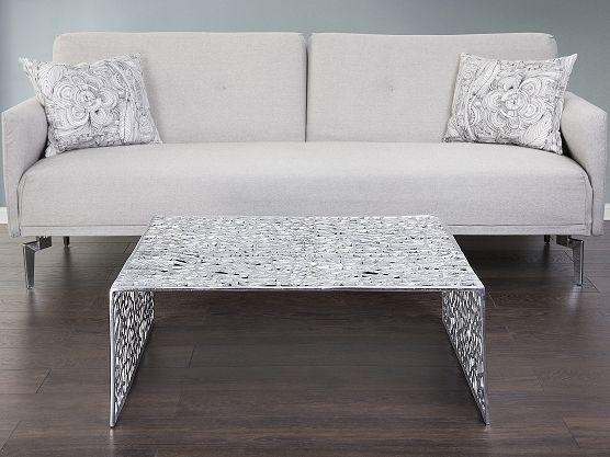 Beautiful coffee table in silver! https://www.beliani.ch/wohnzimmer-moebel/couchtisch/couchtisch-88x88x33-cm-beistelltisch-kaffeetisch-clubtisch-aluminium-moroni.html