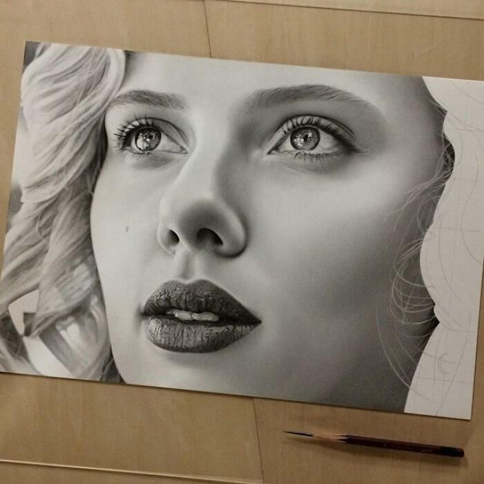 This japanese artist creates extremely hyper realistic drawings with a pencil