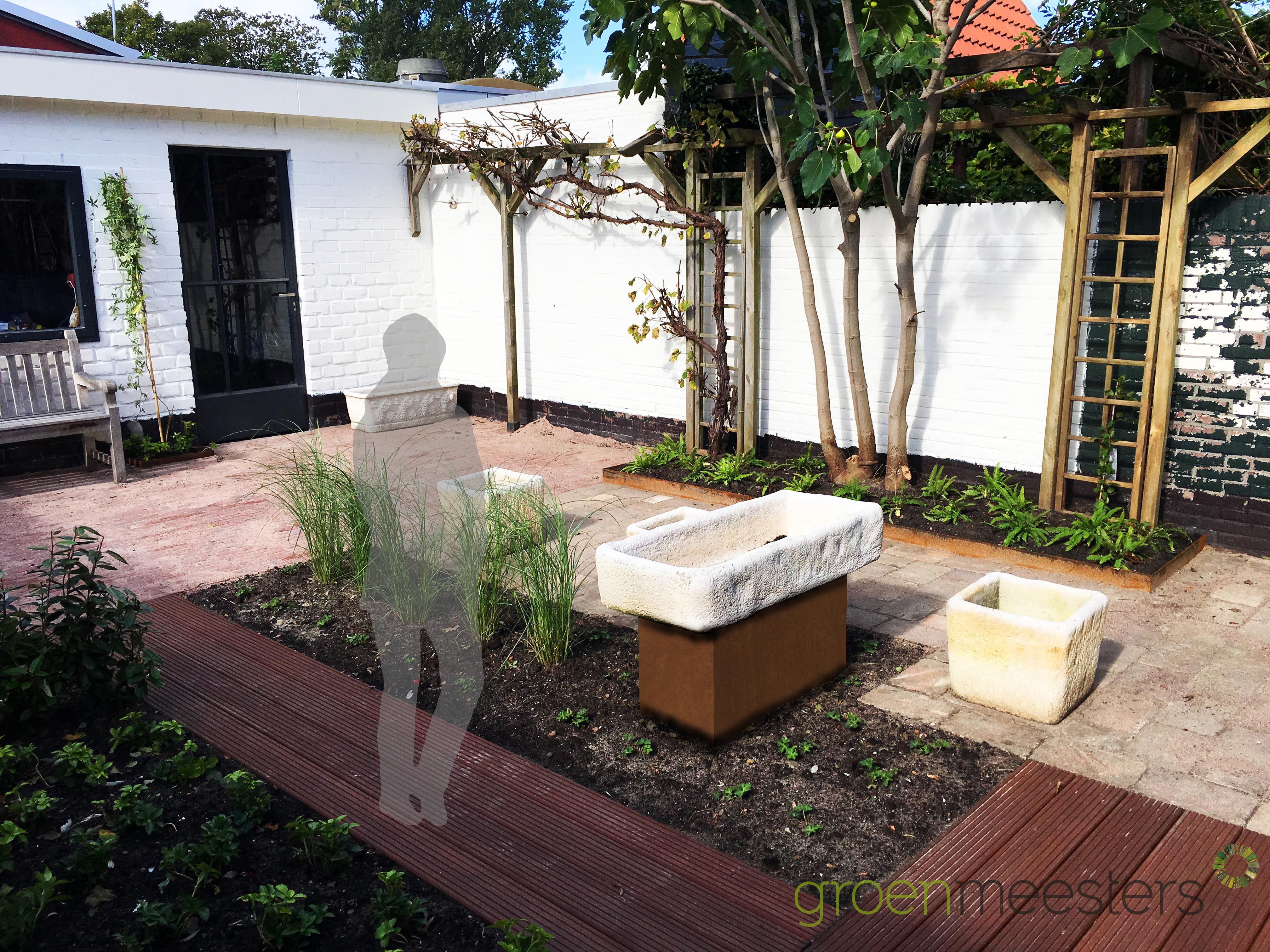Kunstobjecten Voor Tuin : Een zonnige stadstuin met mediterraanse uitstraling en