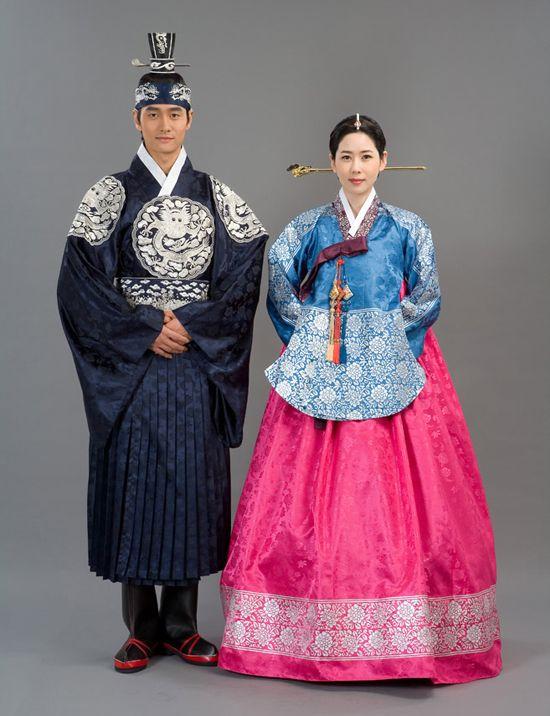 hollyebok-korean-hanbok-couple   Korea   Pinterest   Korean hanbok ...