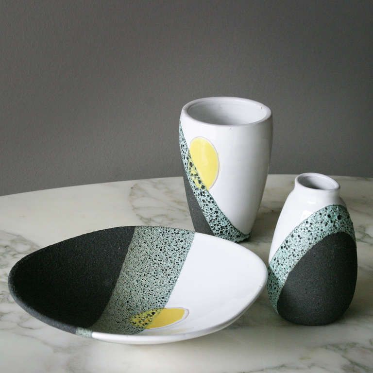 A Set Of Ceramics By Ettore Sottsass For Bitossi Ceramics Ettore Sottsass Vintage Ceramic