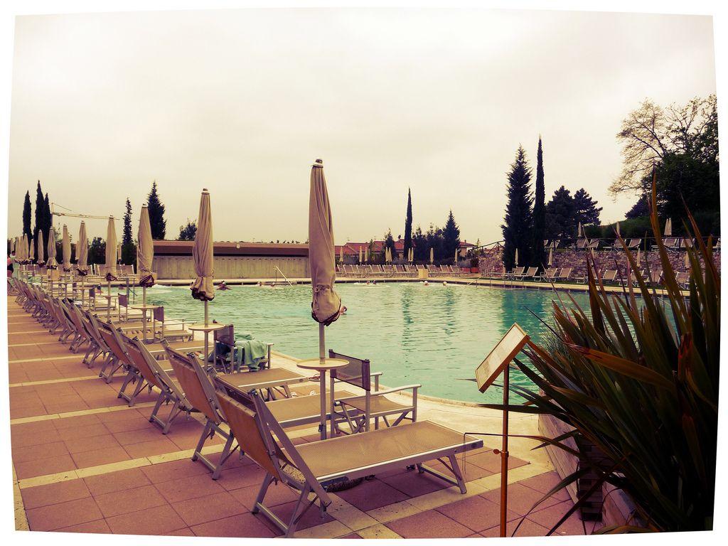 Monsummano terme pistoia la piscina wellness spa - Piscina monsummano terme ...