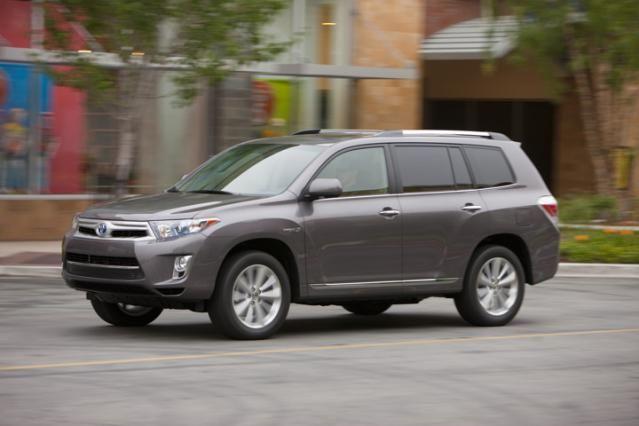10 Suvs That Get Good Gas Mileage 2017 Toyota Highlander Hybrid