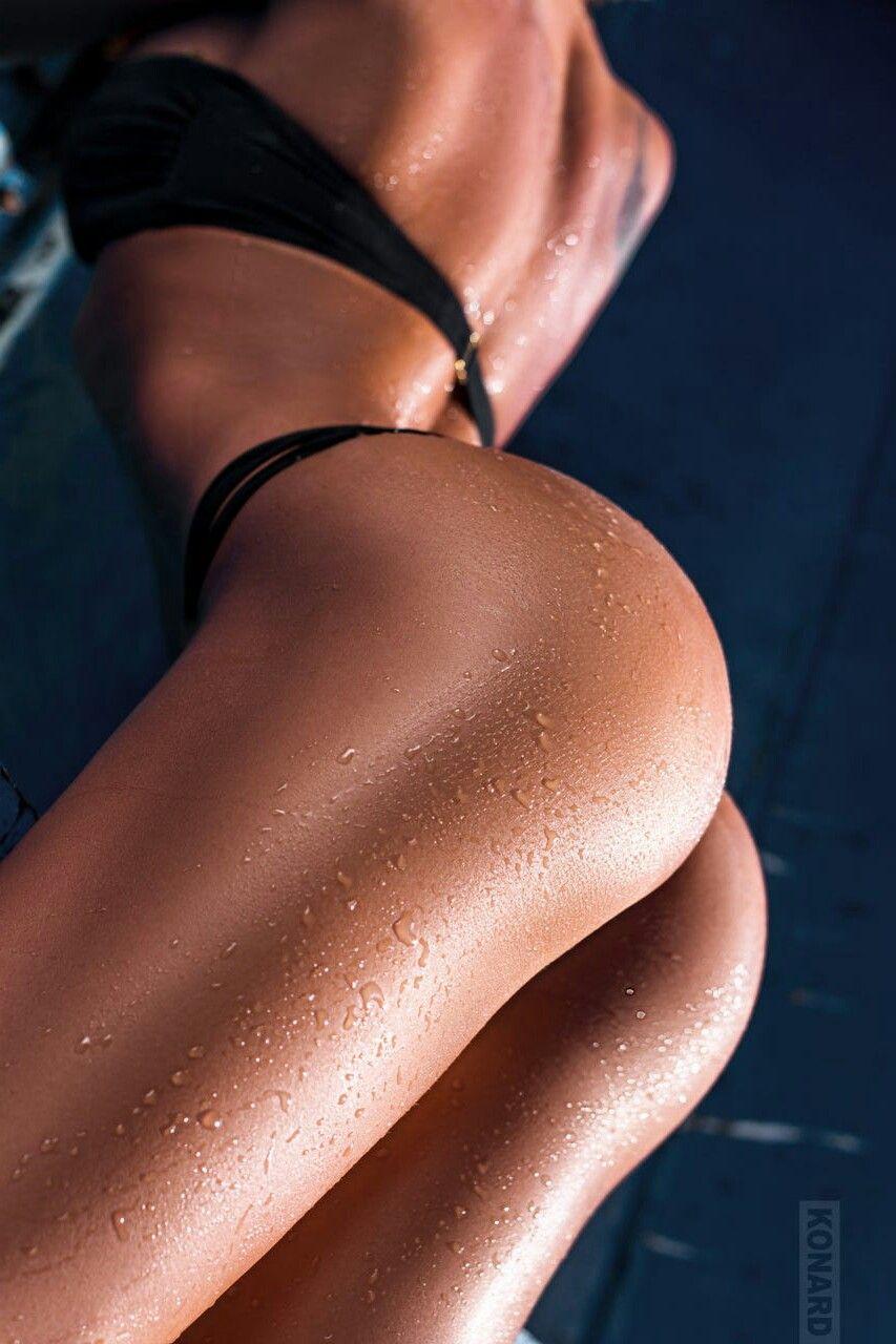 naked (44 photo), Tits Celebrites image