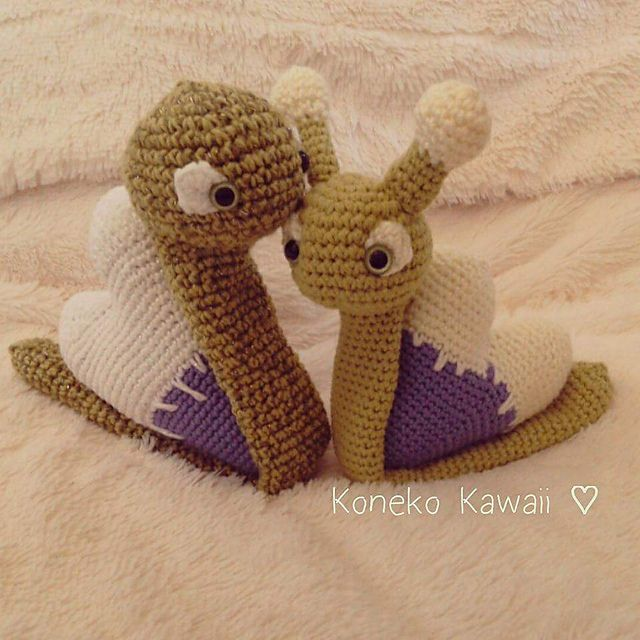 http://www.ravelry.com/patterns/library/snail-mail-messenger-of-love