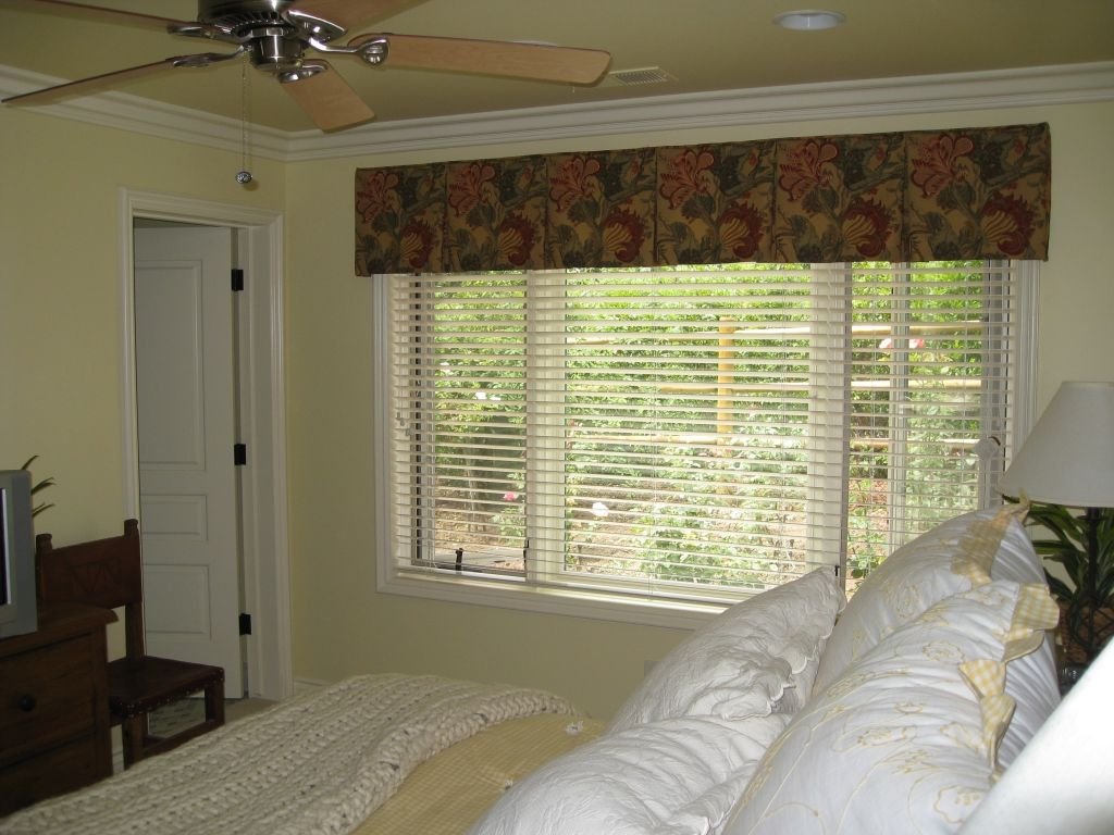 Box Pleat Valance With Wood Blinds Window Blinds