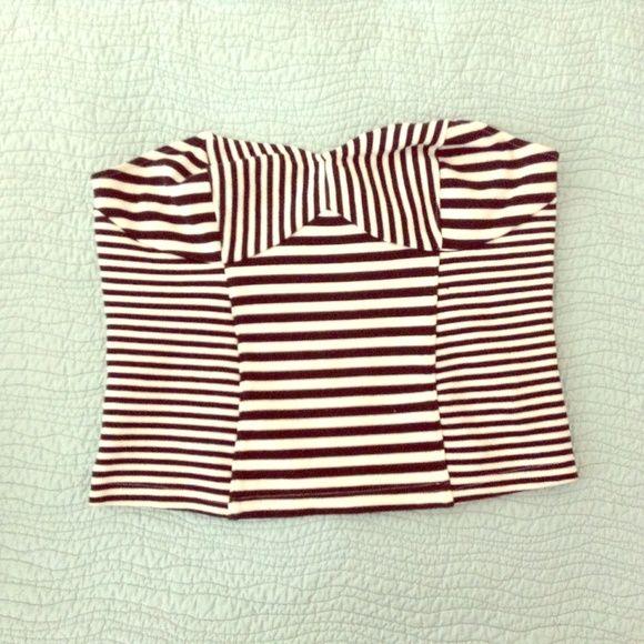 Striped H&M Super Cute Strapless Top Striped H&M Super Cute Strapless Top H&M Tops Tunics