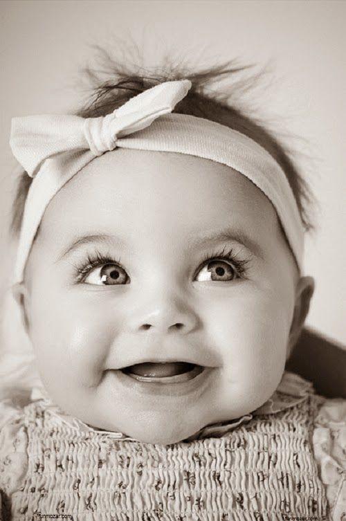 5bb249d65b85d Photo bébé fille noir et blanc