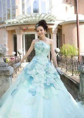 f3374d25321f7 結婚式カラードレス ブーケ ヘアメイク お色直し実例集 ウェディング  画像まとめ  - NAVER まとめ