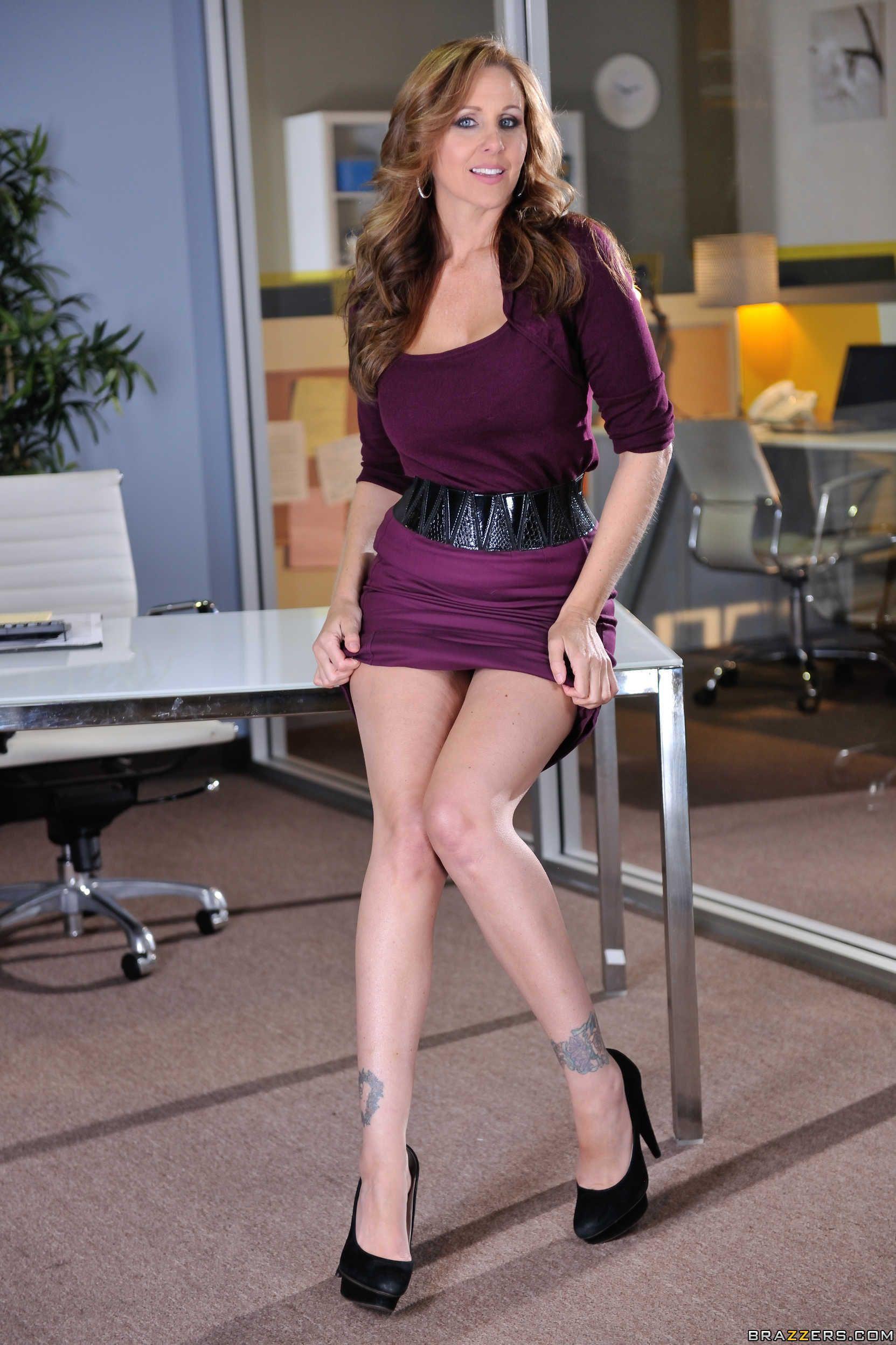 Julia Ann | Secretary | Women, Sexy body, Viola
