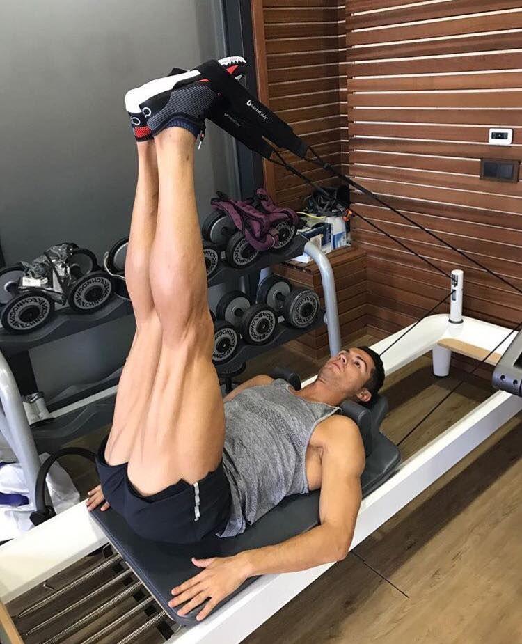 Soccer Superstar Christiano Ronaldo Does Pilates Ronaldo Cristiano Ronaldo Cr7 Christiano Ronaldo