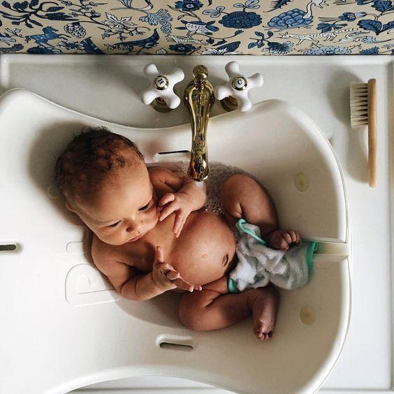 cutest baby newborn in the bath // puj tub | LITTLES | Pinterest ...