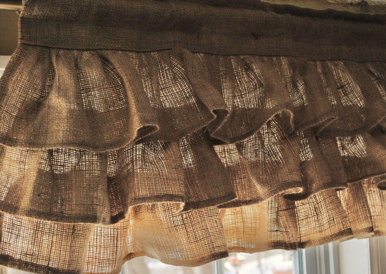 Burlap ruffled valance for my rustic bedroom in progress - Cortinas de arpillera ...