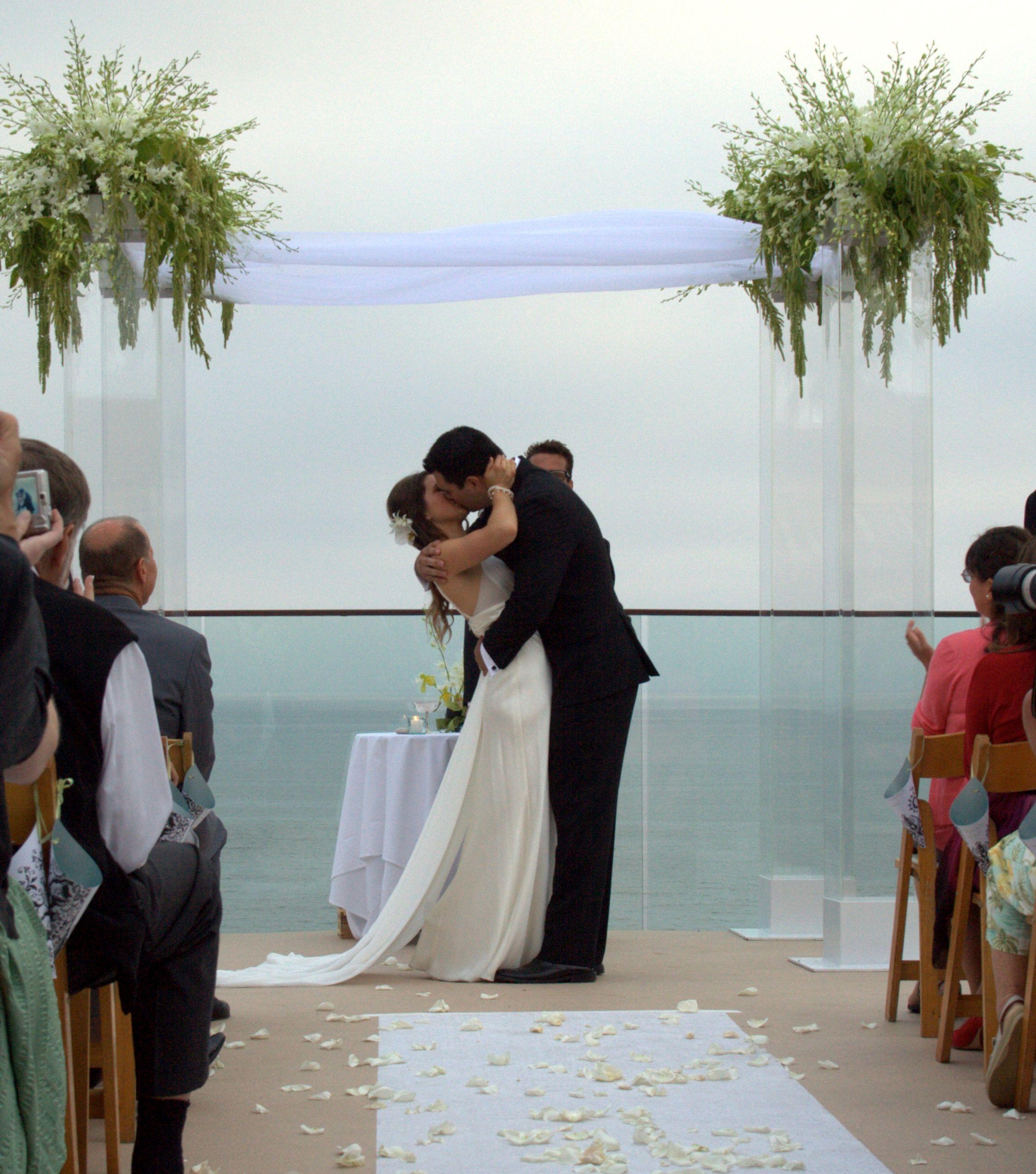 Modern Arcylic Wedding Canopy Surf & Sand Resort & Spa Laguna Beach ...