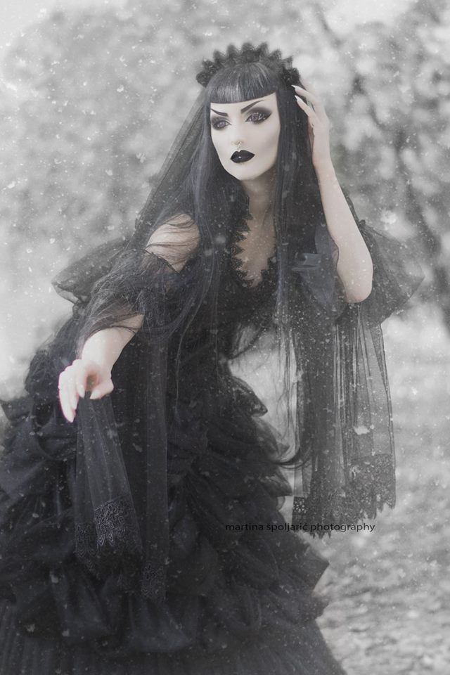 Model: Obsidian Kerttu Outfit (dress, sleeves, veil): Sinister Photo: Martina Špoljarić photography Welcome to Gothic and Amazing |www.gothicandamazing.org
