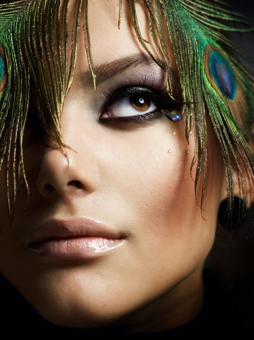 Learn How to Apply Gorgeous Make-ups!