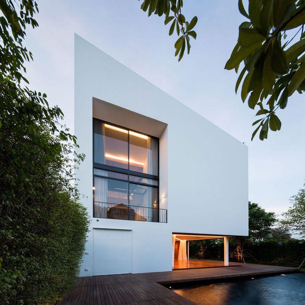 une maison géométrique et ultra design à bangkok