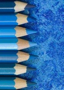 le bleu est au centre des attentions en ce moment qu 39 il soit turquoise bleu outremer bleu. Black Bedroom Furniture Sets. Home Design Ideas