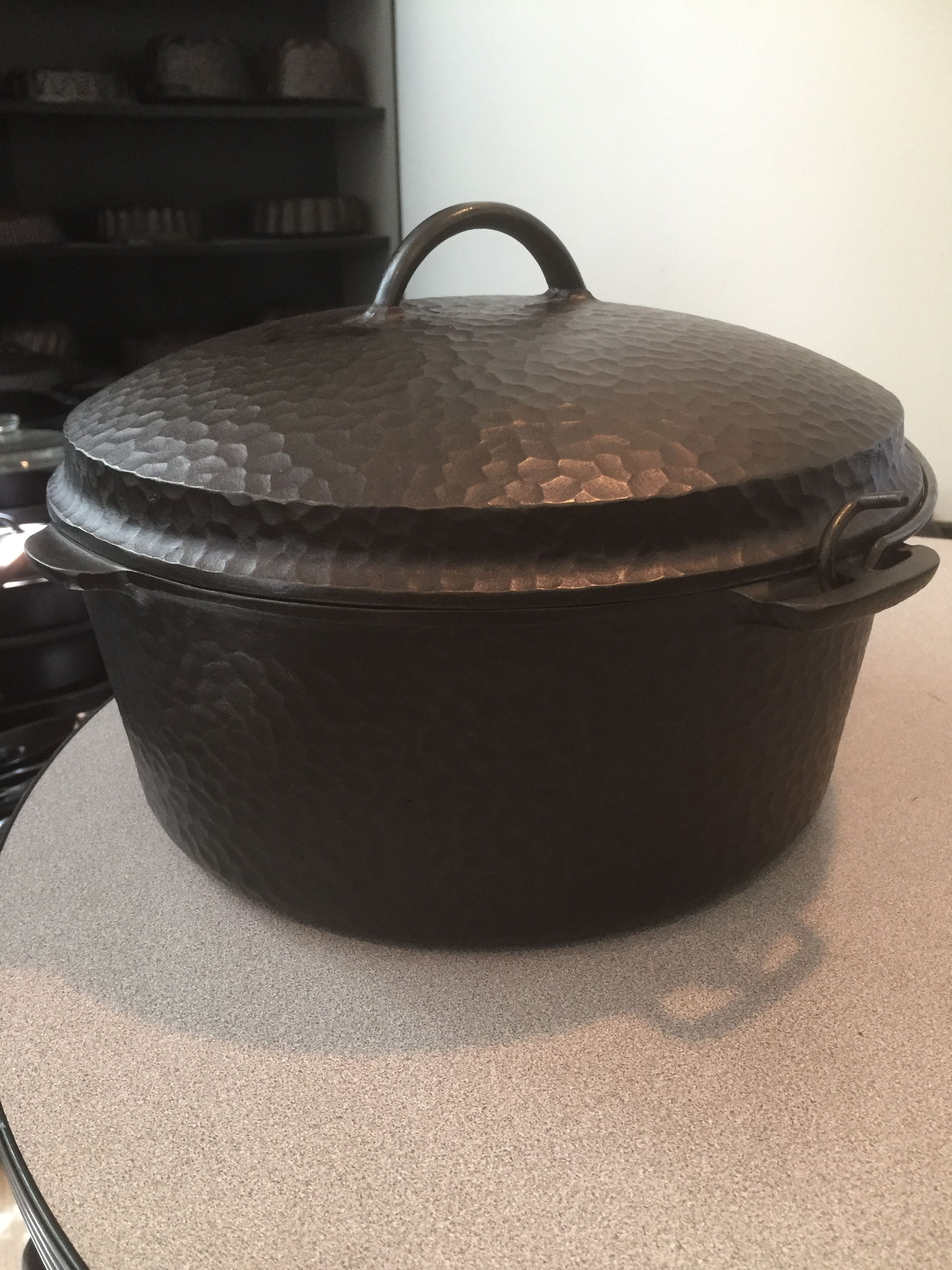 Wagner 10 Hammered Dutch Oven Worlds Largest Hammered Cast Iron
