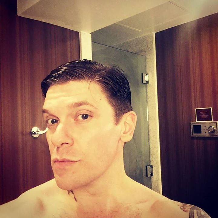 #Repost @Shinedown: @TheBrentSmith #ABRACADABRA  thanks again to Carrie from @ohanahairsalon_cnholder If your in #nashville stop by and see her... SHE RAD!!! #BrentSmith #Shinedown - facebook.com/ShinedownsNation