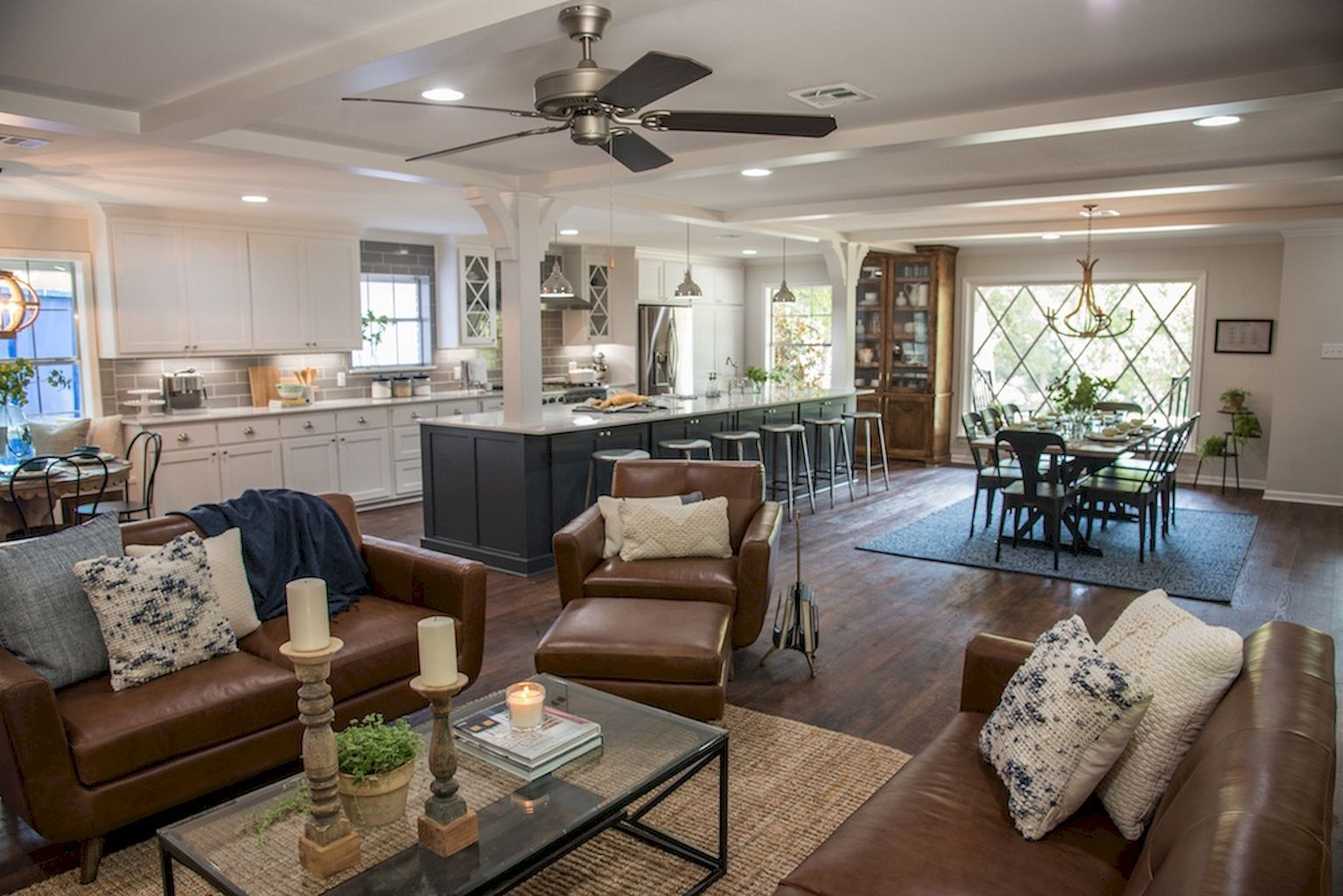 60 amazing farmhouse style living room design ideas (1