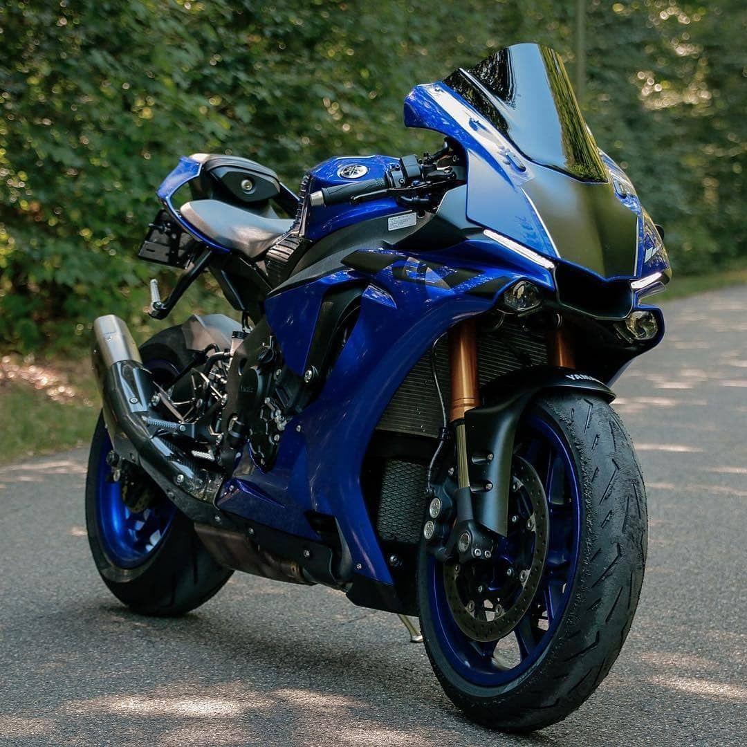 Yamaha R1 Yamaha R1 Superbikes Super Bikes Yamaha R1