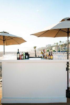 e71ac0bb16 All-White Wedding at a Beach Club in Santa Monica, California | Bar ...