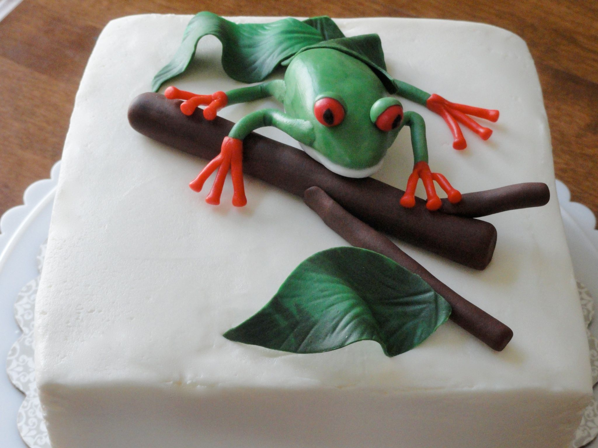 Fondant Red Eye Tree Frog Cake
