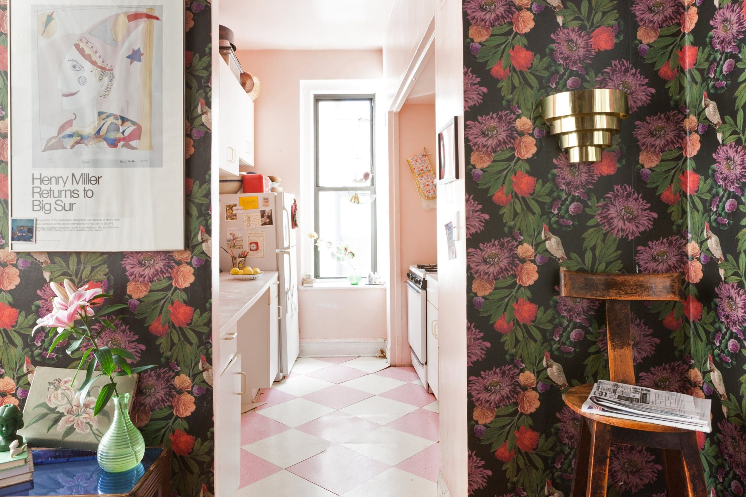 Eclectic Chaos In A Fantastic Feminist Nyc Rental Nyc Rentals Apartment Decor Inspiration Apartment Decorating Rental