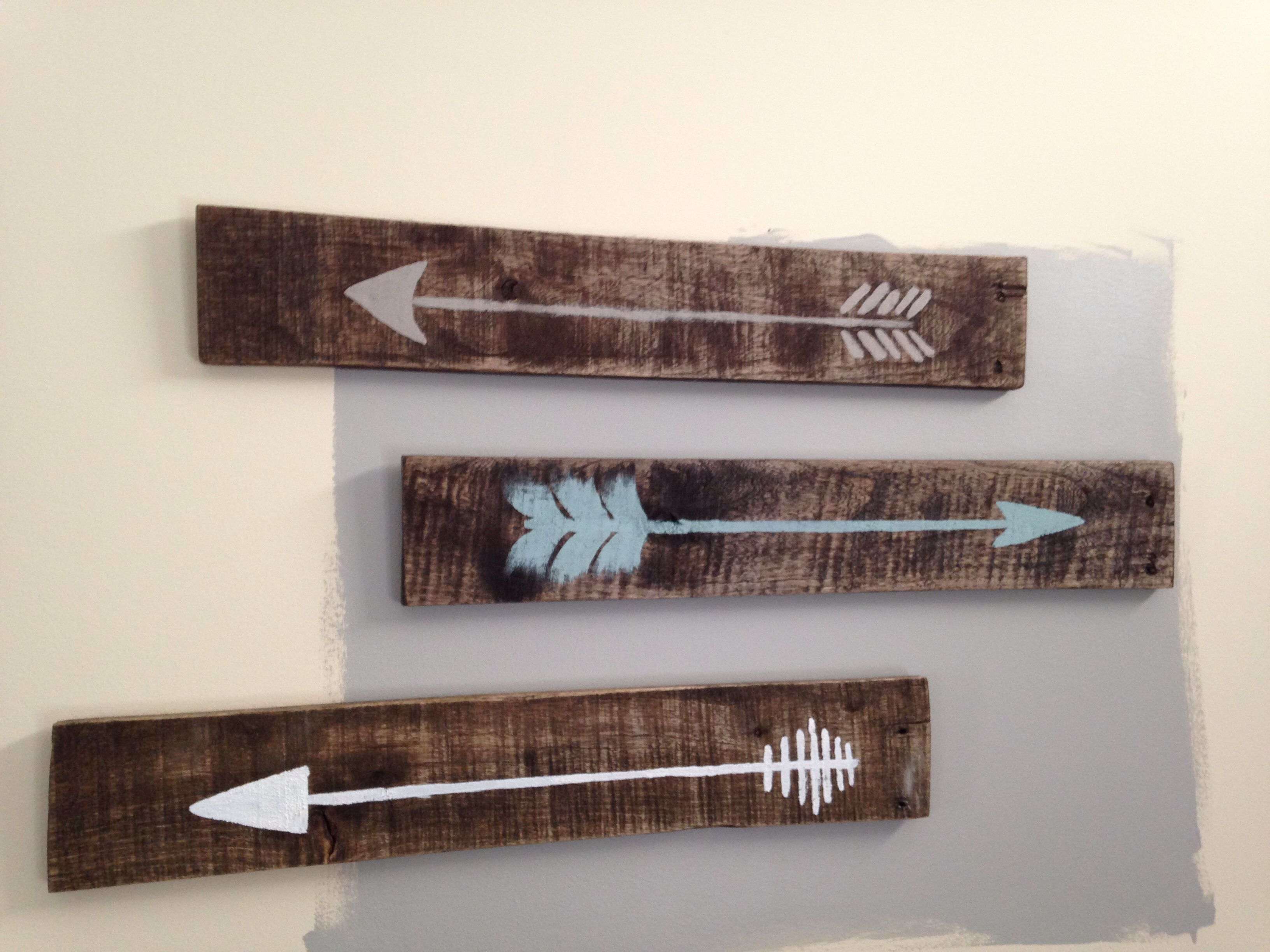 Pallet Stained Arrows
