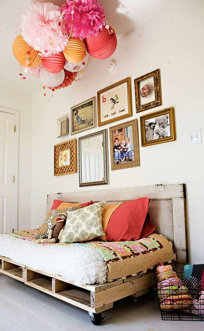 in der beigefgten bildergalerie knnen sie unsere schlafzimmer ideen bestaunen und einen eindruck davon gewinnen wie praktisch ein bett aus paletten ist - Wie Baut Man Ein Kopfteil Aus Paletten