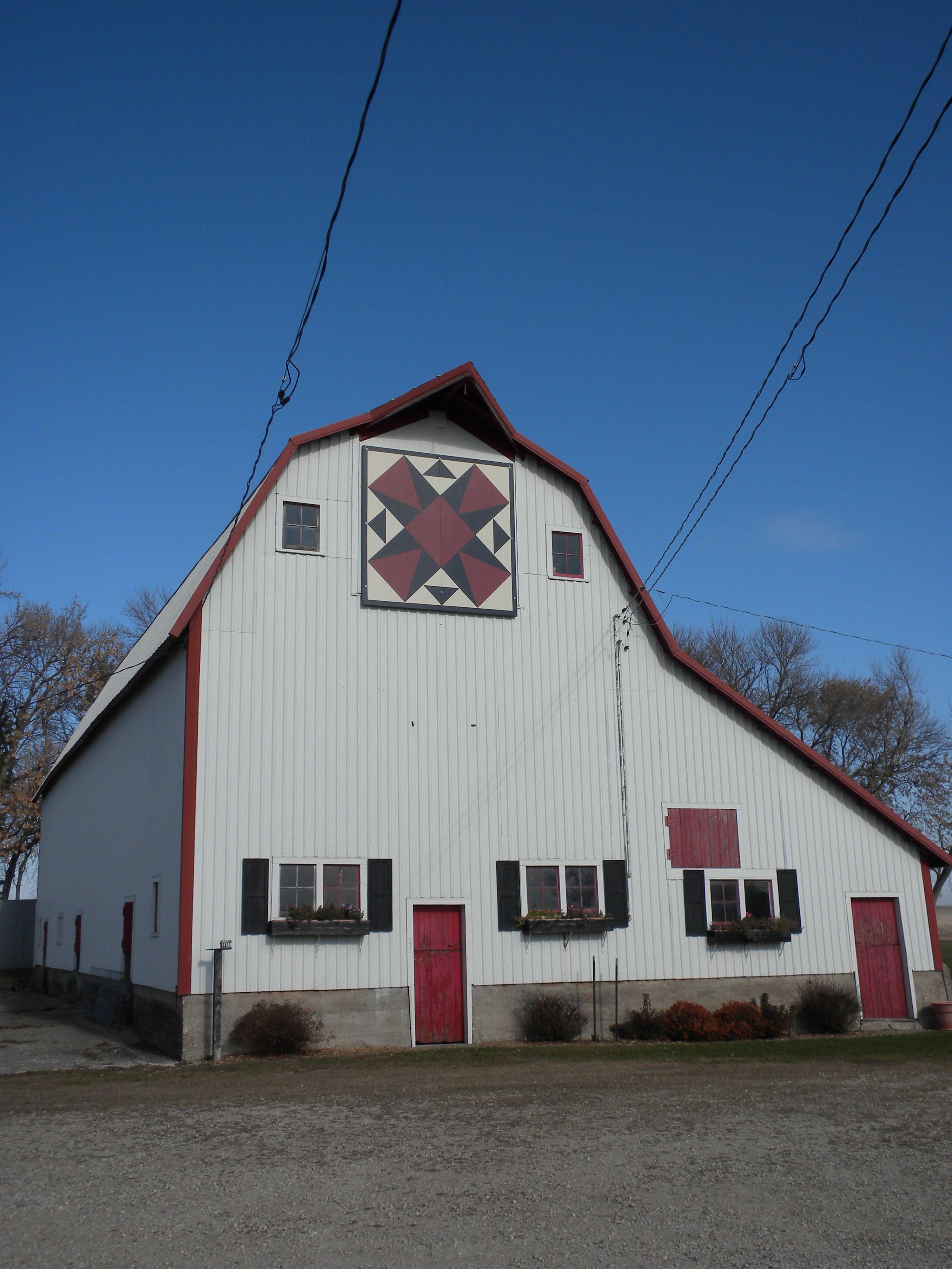 Floyd county ia old barns barn art barn quilts