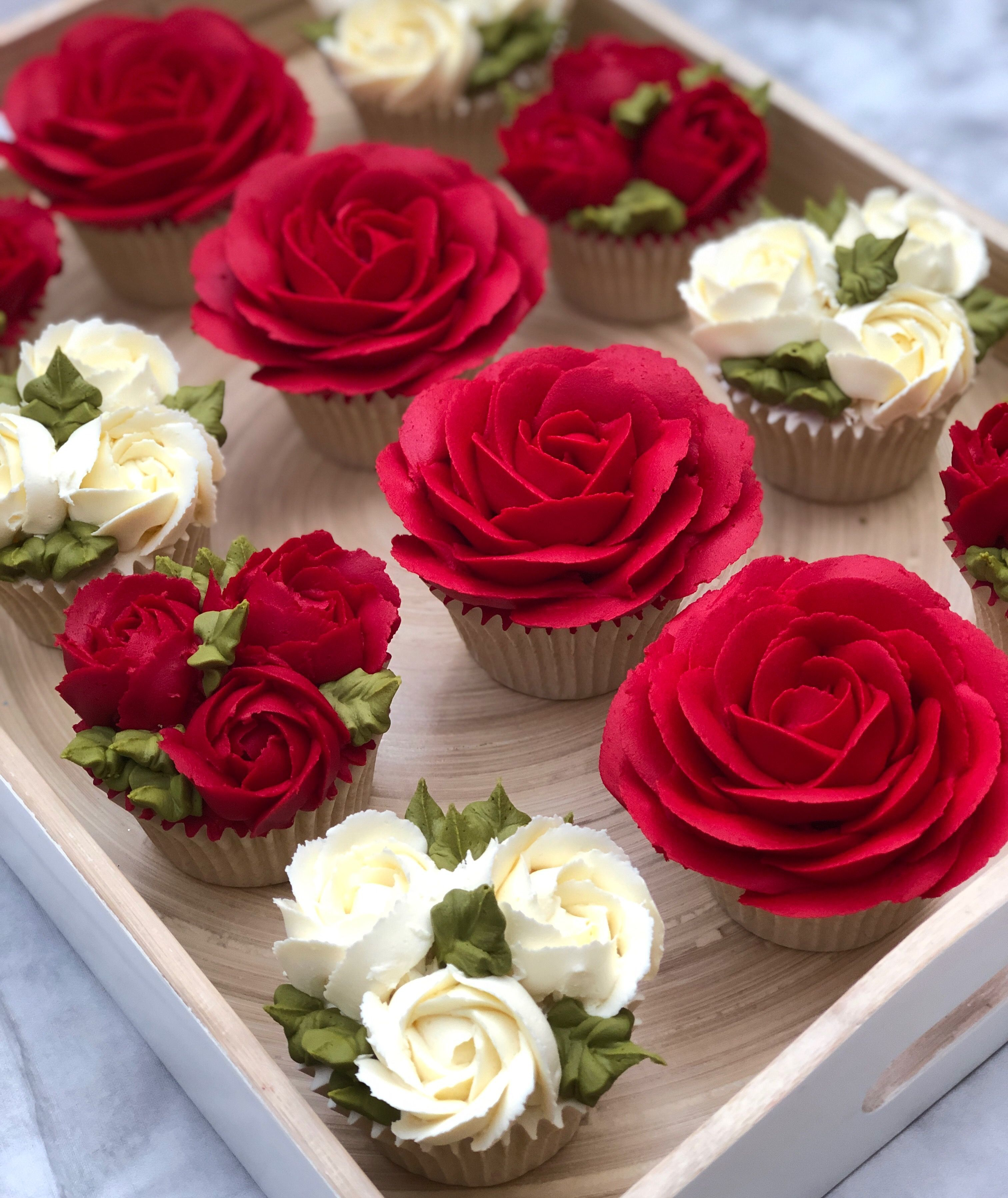 Learn how to make beautiful Red Buttercream Frosting  The Taylor Made Way with my easy to follow video tutorial cupcakes decoration hochzeit ideas ideen recipes rezepte c...