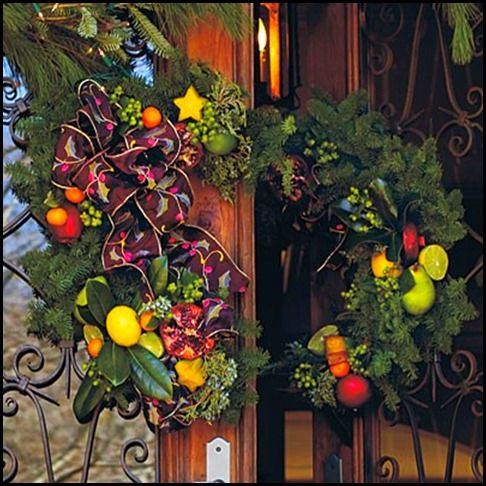 Double door split wreath...must try.