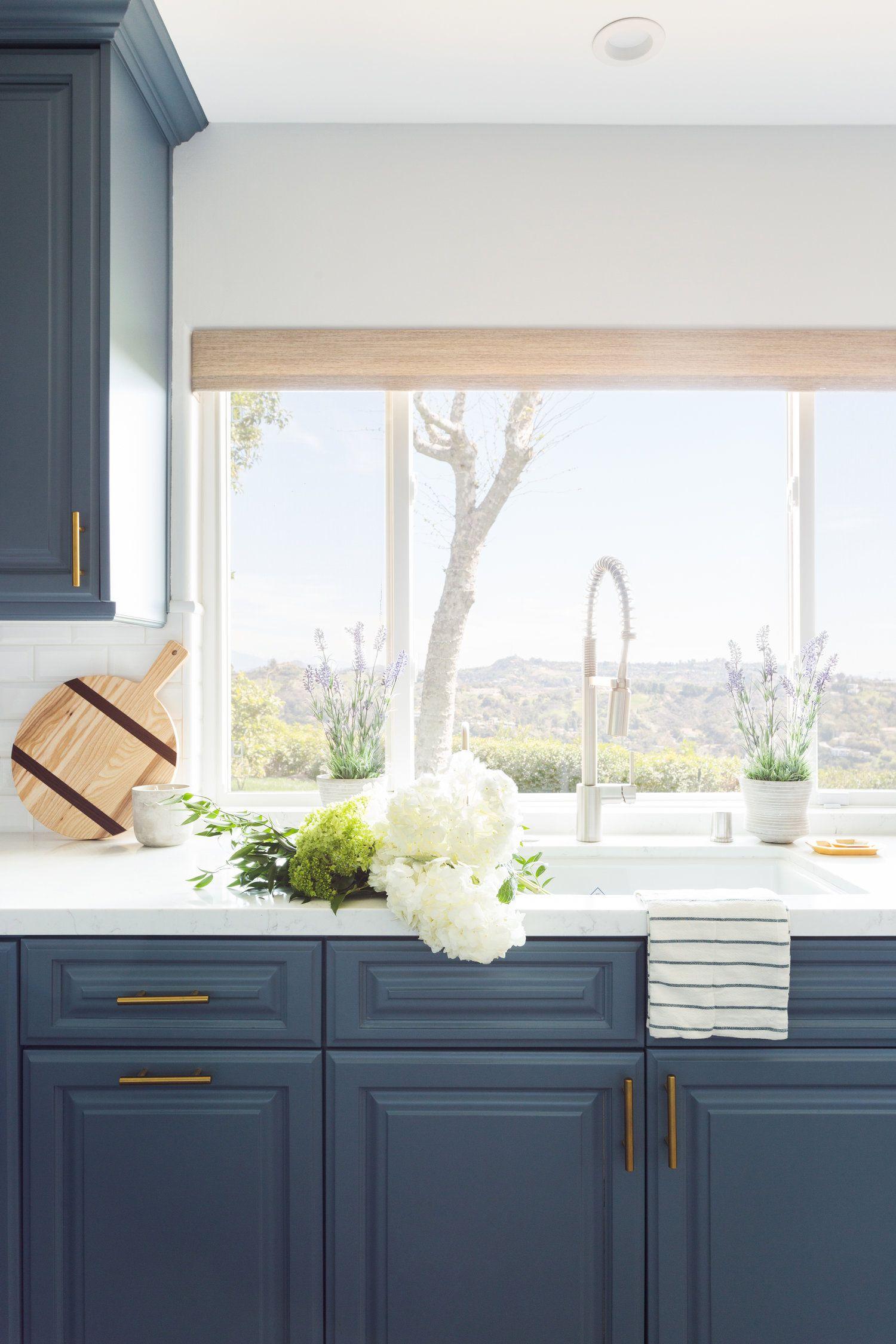 The Best Sources For Modern Minimal Cabinet Hardware Navy Blue Kitchen Cabinetr Kitchen Inspiration Design Kitchen Design Styles Beautiful Kitchen Cabinets