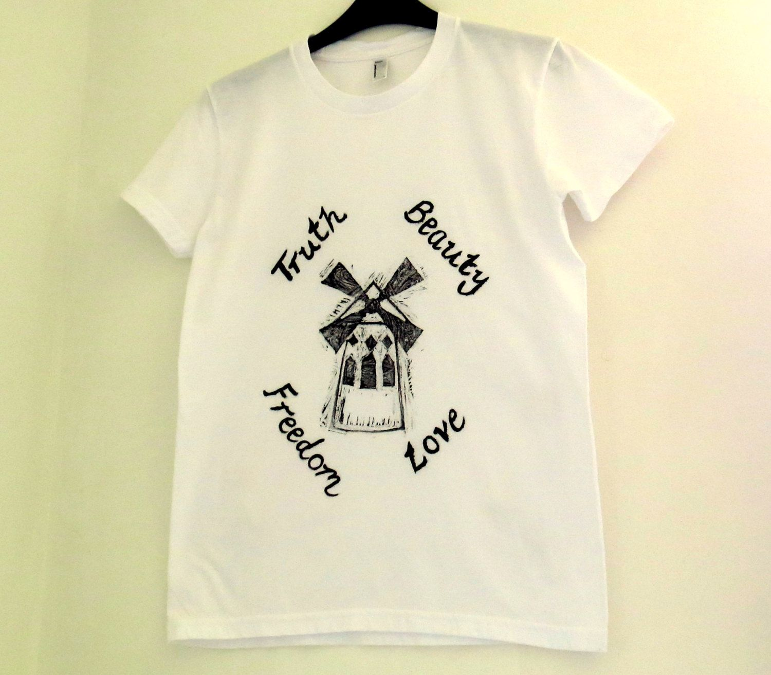 I MUST HAVE THIS!!!Moulin Rouge T-Shirt - Truth Beauty ...