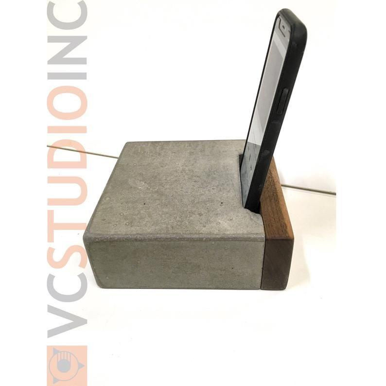 The Arc From The Joule Concrete Passive Smart Phone Amplifier Etsy In 2020 Concrete Concrete Garages Concrete Sink