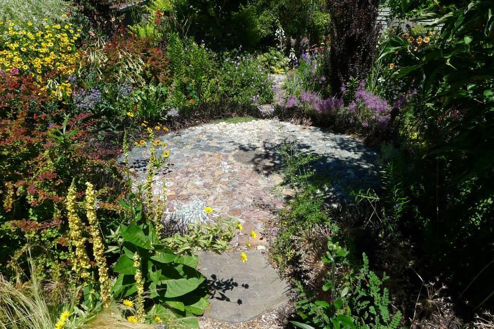 Jeffrey Bale Pebble Mosaic at Northwest Garden Nursery | Pebble ...